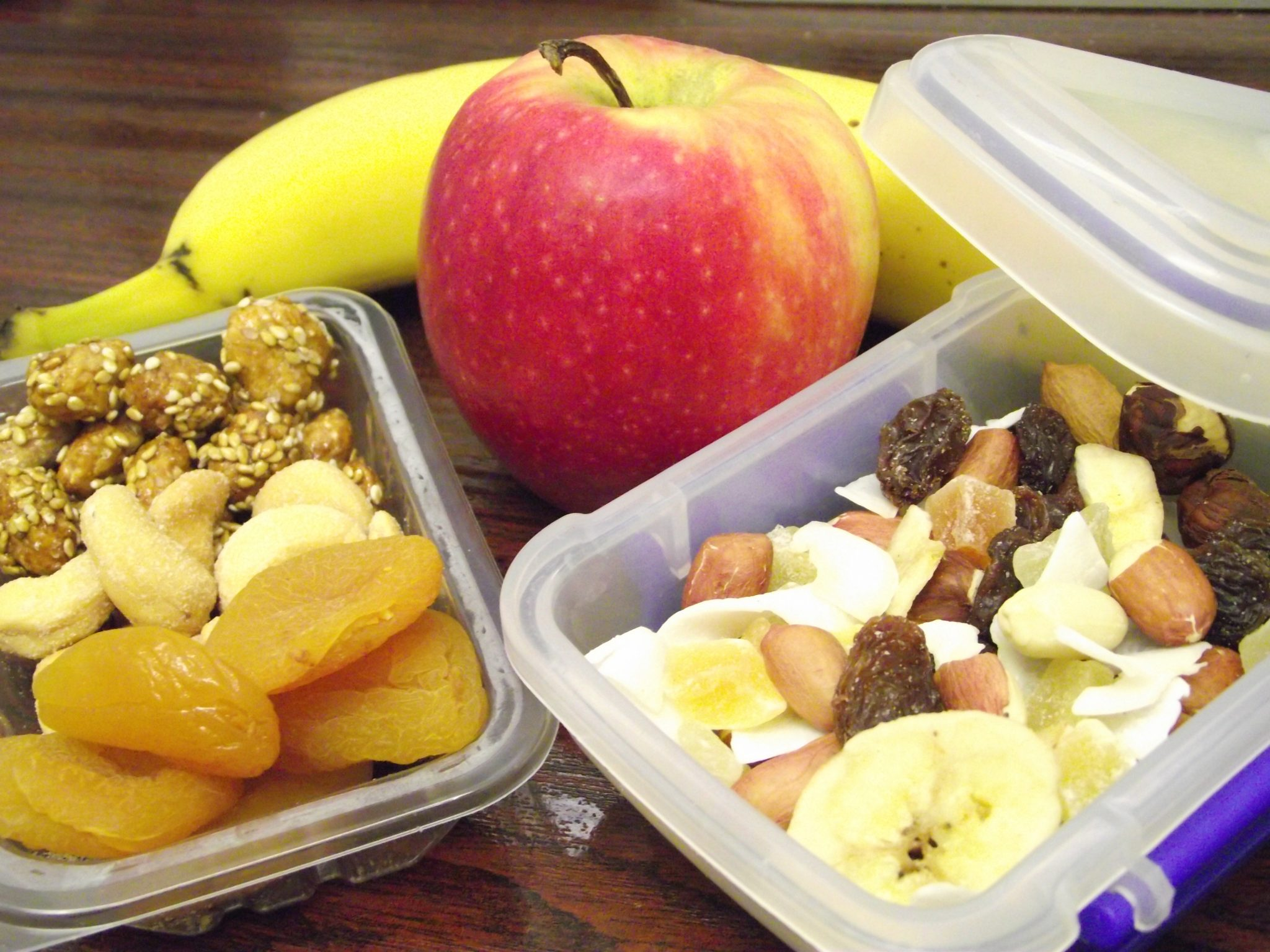 8 Healthy Snacks For Athletes On The Go